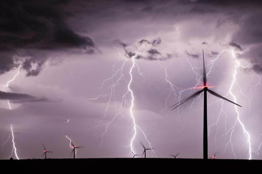 Po svojoj naravi, hvatanje obnovljivih izvora energije uključuje izlaganje elementima