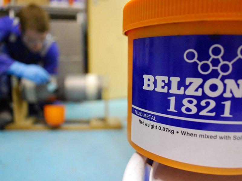Belzona 1821 (Fluid Metal) Epoxy premaz koji u kombinaciji Belzona agregata daje protuklizne karakteristike metanih površina